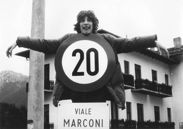 Luca_cartello a Vezza