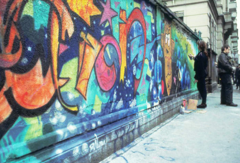 1989 Murales_action shah